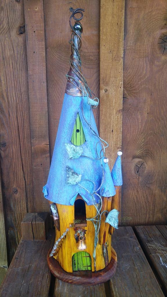Birdhouse M 1217